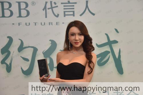性感女神龚玥菲成为NBB品牌代言人